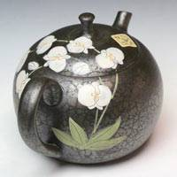 Hand-made Tokonameyaki Teapot by Shoryu, Tenmoku with Orchid 260ml, Back-hand Type