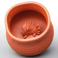 Japanese Tokonameyaki potter Motozo, red snapper fish small cup, tea cup, sake cup