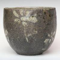 Pottery Flower-pattern Black Tea Cup L-size 180ml, Yunomi, Made by Emi Masuda