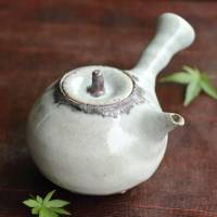 Koichi Ohara, white-glaze kyusu 230ml, Japanese side-handle pottery teapot, green tea teapot