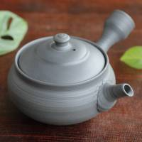 Gafu Itoh, black clay sujihiki side handle teapot 210ml, Tokoname sencha kyusu
