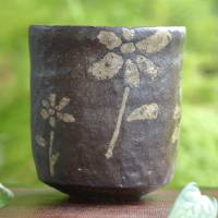 Emi Masuda, flower pattern black yunomi green tea cup 230ml, tebineri hand-made
